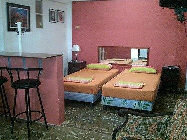 Habitacion - Apartamento Miriam Gomez Vedado