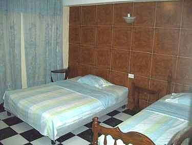 Habitacion 1 (Ambas son similares) - Casa Tony y Elena en Centro Habana