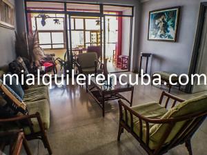 sala-terraza-b-apartamento-alberto-malecon-vedado-2