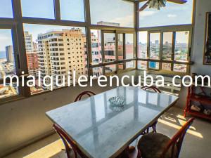 terraza-comedor-b-apartamento-alberto-malecon-vedado-2