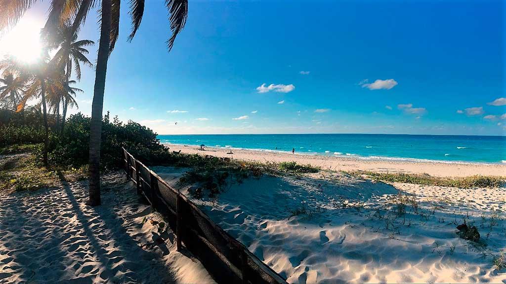 Zona de playa frente al hospedaje