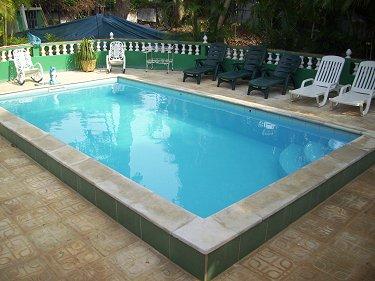 Casa miriam en la coronela playa for Habitaciones con piscina dentro